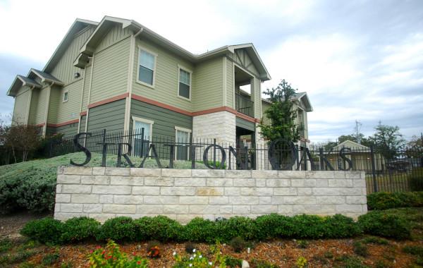 Stratton Oaks Apartments <br /> Seguin, TX